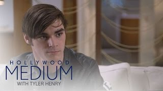 "Video Tyler Henry Reads ""Breaking Bad"" Star RJ Mitte 