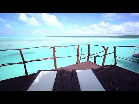 Overwater bungalow at the Aitutaki Lagoon Resort & Spa (Cook Islands) 4K