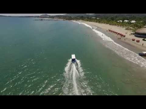 Disfruta las playas en Tela, Atlántida! (HD)