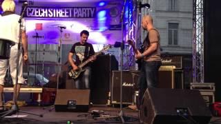 Video Cankisou in Brussel 2013, Zuha live