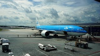 Video NAIK PESAWAT DARI EROPA. Royal Dutch Airlines Economy Class. Trip by KLM Kuala Lumpur - Jakarta MP3, 3GP, MP4, WEBM, AVI, FLV November 2018