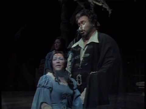 Luciano Pavarotti in Rigoletto - MET Opera - 1981