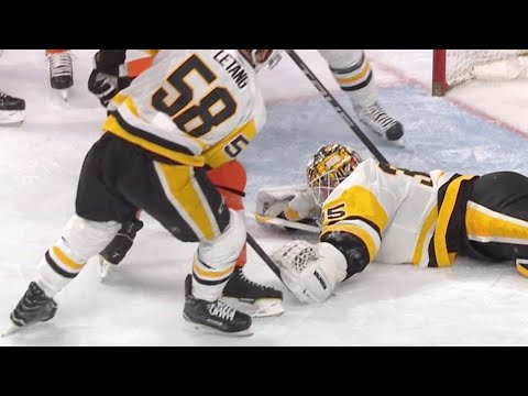 Video: Penguins' Tristan Jarry exits game with wrist injury