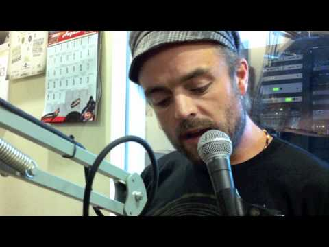 andgoes - Xavier Rudd visits the Lightning 100 studio for a quick interview and performance before his show at Exit/In. Check out this clip with his solo performance o...