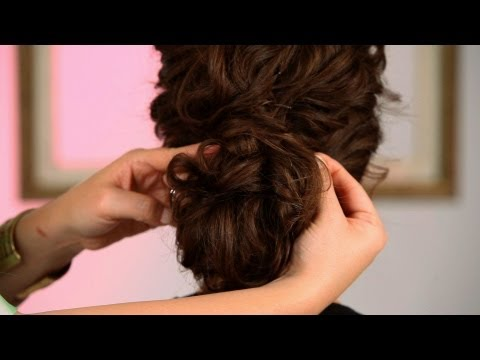 How to Create a Wedding Hairstyle Pt. 2   Curly Hairstyles