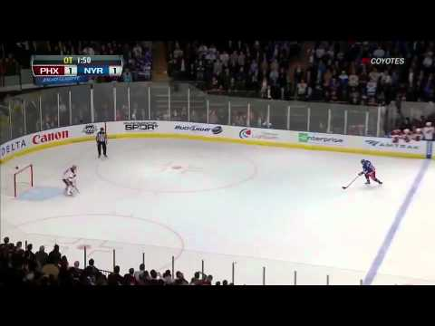 Mike Smith incredible penalty shot save on Gaborik 1/10/12      - YouTube
