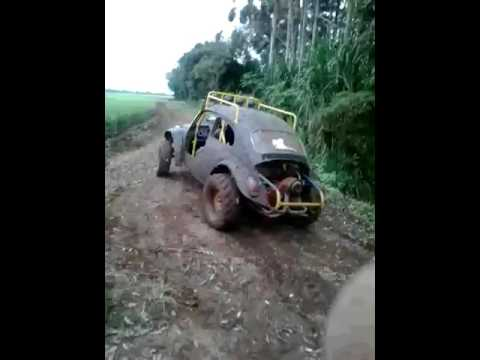 Fusca na lama em Turvo sc