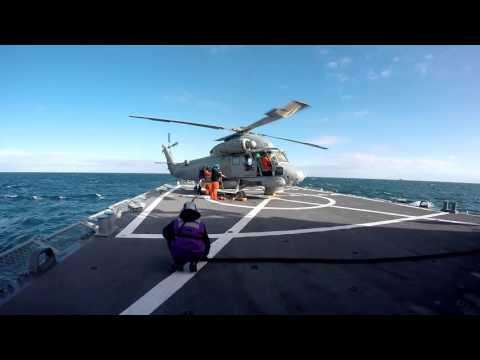 Śmigłowiec pokładowy Kaman SH-2G przygotowanie i tankowanie