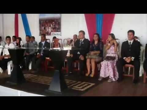 Cantora Aline cantando no Congresso da Madureira em Xinguara PA.