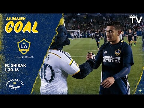 Video: GOAL: Jose Villarreal fires one in on the volley