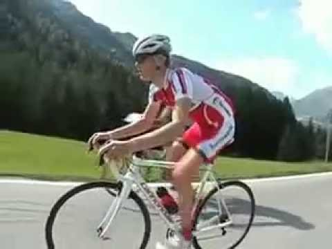 The perfect technique for climbing hills on the bike