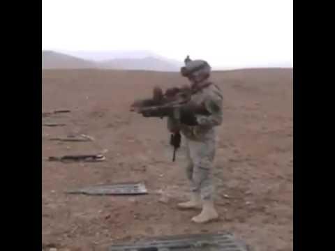 SOLDIER DUEL WEILDS LMG