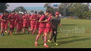 Video Latihan Perdana Persjia Jakarta Diserbu Ratusan The Jakmania MP3, 3GP, MP4, WEBM, AVI, FLV Juli 2018