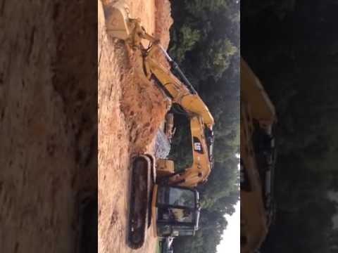 CATERPILLAR EXCAVADORAS DE CADENAS 311F L RR equipment video HSFZVW51bLk