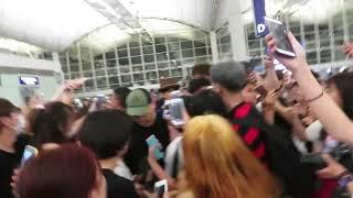 Video Kim Samuel Departured At Hong Kong Airport 170717 MP3, 3GP, MP4, WEBM, AVI, FLV Juni 2018