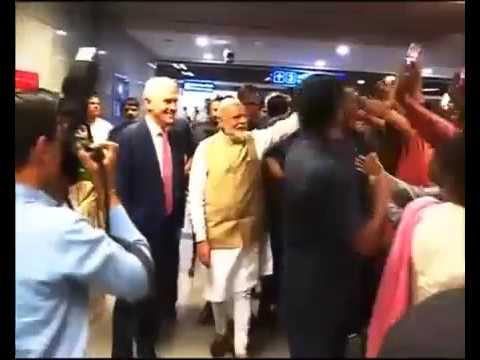 PM Shri Narendra Modi greeted by an enthusiastic crowd at the Metro Station!