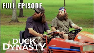 Duck Dynasty: Full Episode - The Grass and The Furious (Season 2, Episode 1)   A&E