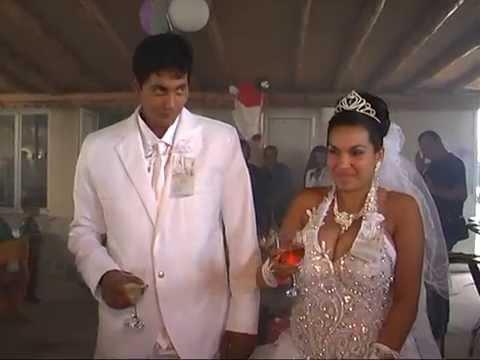 """Εκρηκτική """"δεξίωση"""" γάμου!"""