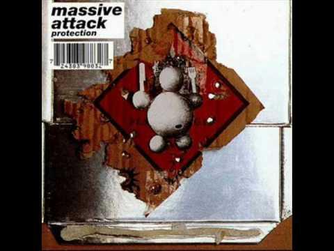Tekst piosenki Massive Attack - Spying Glass po polsku