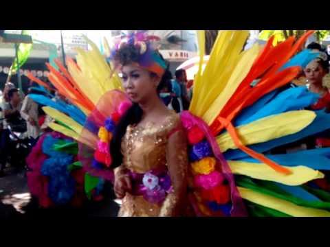 Video karnaval!!!SMP N 1 Kertosono.... 2016 download in MP3, 3GP, MP4, WEBM, AVI, FLV January 2017