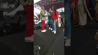 Video ARTIS CANDRA NANDINI DISERBU PENGGEMAR MP3, 3GP, MP4, WEBM, AVI, FLV Juli 2018