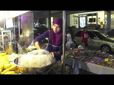 A Walk Through Hat Yai (By Night)
