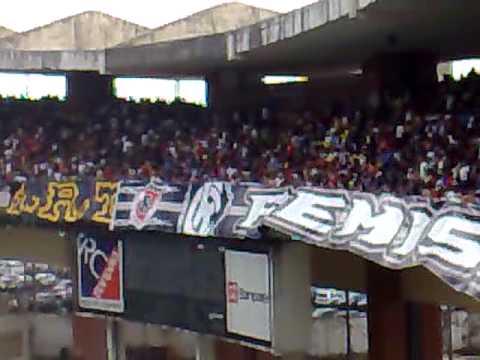 torcida REMISTA no 1° RE X PLAY de 2011.