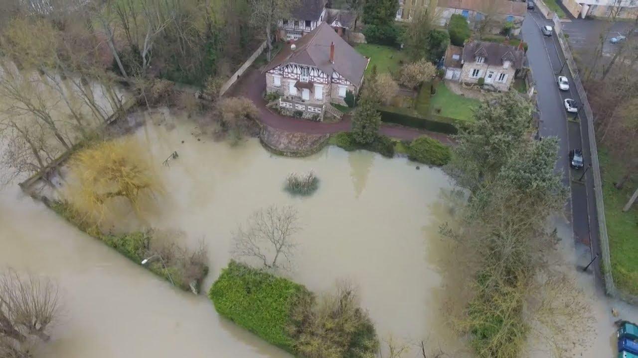 Η άνοδος της στάθμης του Σηκουάνα δημιουργεί κίνδυνο να σημειωθούν πλημμύρες