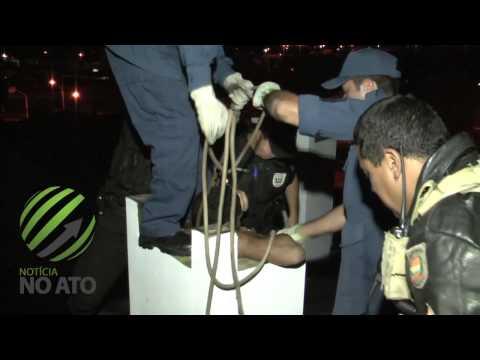 Ladrão fica entalado em chaminé de churrasqueira e é preso