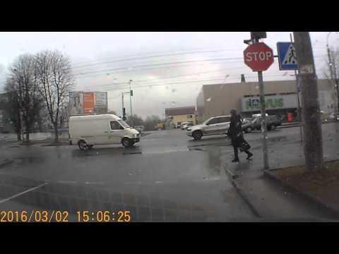 """""""Генії паркування"""" у Рівному [ВІДЕО]"""