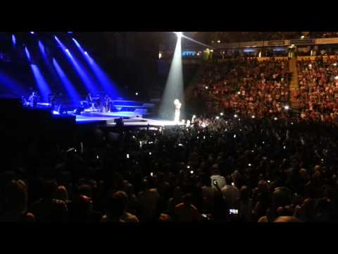 Rihanna Gets Missiles Thrown At Her In Manchester 16/7/13 – Claims EPIC FAIL! LOL