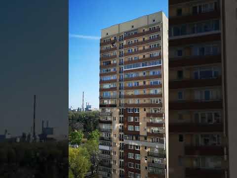 Warszawa: dwie osoby wyskoczyły z 20. piętra. Wszystko się nagrało.