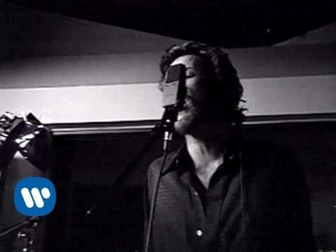 Tekst piosenki Stone Temple Pilots - Trippin' On A Hole In A Paper Heart po polsku