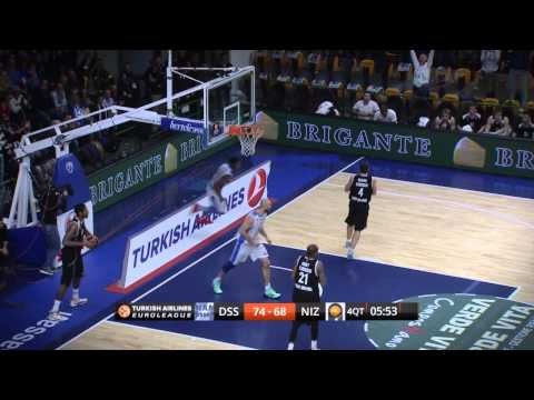 Dunk of the Night: Jeff Brooks, Dinamo Banco di Sardegna Sassari