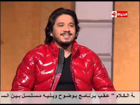 شاهد- مصطفى حجاج: احترفت الغناء في سن 15.. وكنت أغني 8 ساعات في الفرح
