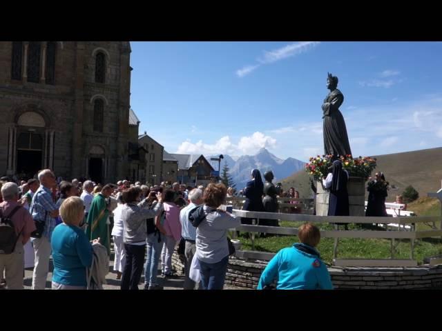 Des roses pour Notre Dame de La Salette