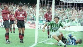 O Palmeiras encarou o Vitória da Bahia nas finais do Brasileiro de 93. No primeiro jogo, o time da Parmalat venceu em Salvador...