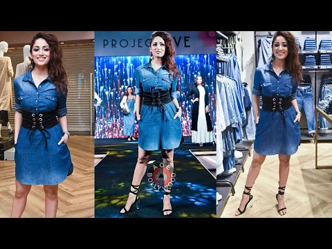 Video Sexy Yami Gautam in Short Blue Denim Dress download in MP3, 3GP, MP4, WEBM, AVI, FLV January 2017