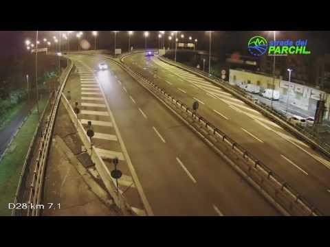 Auto contromano sulla A24: alla guida donna ubriaca VIDEO