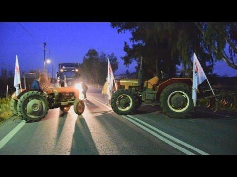 Εκλεισαν την επαρχιακή οδό Ναυπλίου –  Άργους οι αγρότες στην Αργολίδα