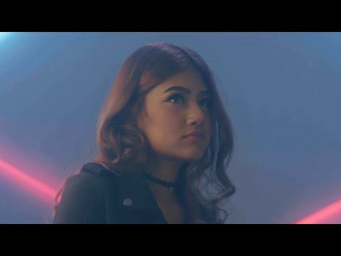 CYANIDE & OG SMITH ft. NICECNX - เพ้อ เพ้อ เพ้อ [Official MV]