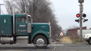 Canton (IL) United States  city images : Santa Train vs. idiots ignoring crossing signal - Canton, IL 12/8/12