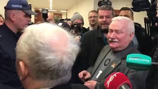 """""""Po co ja pana ministrem robiłem?"""" """"A po co ja pana prezydentem?"""" – wymiana zdań w sądzie między Lechem Wałęsą a Jarosławem Kaczyńskim."""