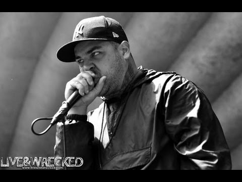 Blog Post - Frankie From Emmure Gets Electrocuted On Stage In Russia