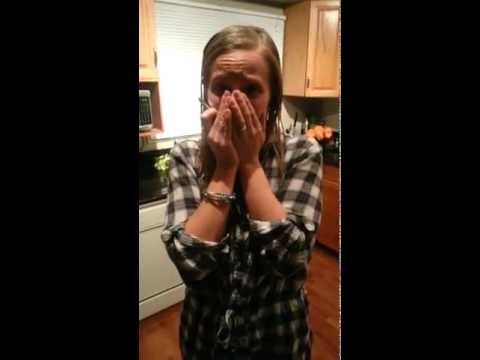 一大早她的老公叫她不用做家事,接下來她興奮得哭了