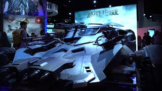 Batman's Batmobile from the upcoming Justice League was showcased at this year's SDCC.Catch up on all things Comic Con here!https://www.youtube.com/watch?v=pHo_-IPlnqg&list=PLraFbwCoisJCaTFQPSiMzvD68YKkjCVeO&index=1Check out more IGN Access!https://www.youtube.com/watch?v=F9jmoxN1Un8&list=PLraFbwCoisJD7-SHuVp6RtvM6pWWfelGM&index=1------------------------------­----Follow IGN for more!------------------------------­----IGN OFFICIAL APP: http://www.ign.com/mobileFACEBOOK: https://www.facebook.com/ignTWITTER: https://twitter.com/ignINSTAGRAM: https://instagram.com/igndotcom/?hl=enWEBSITE: http://www.ign.com/GOOGLE+: https://plus.google.com/+IGN#ign #sdcc2017