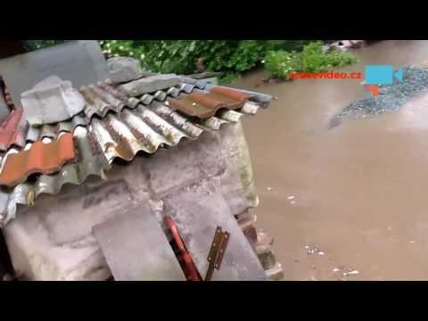 Kostelecká Lhota - blesková záplava z kukuřičného pole po bouři a krupobití