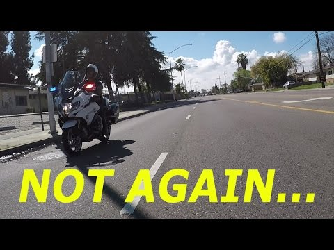 Motorcycle Cop Fakes Out Bikers!
