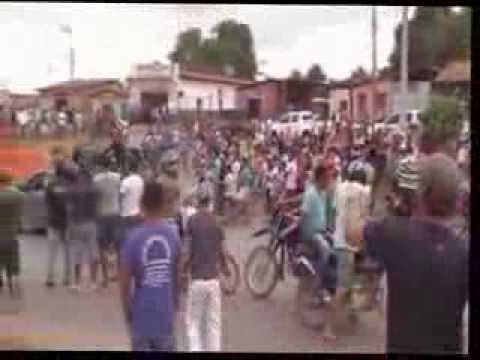 VIDEO PROTESTO EM BURITICUPU 21 08 2013