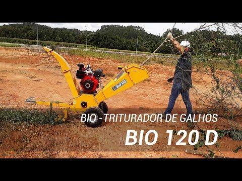 Triturador de galhos com motor diesel picando galhadas - Lippel Bio 120 D